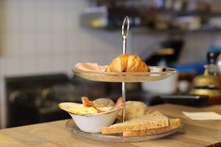 Heerlijk ontbijt bij u thuis